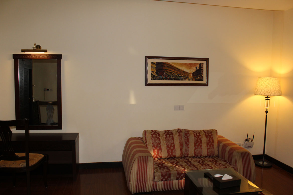 Deluxe-Suite-Accommodation-Islamabad-Business-Hotel-3