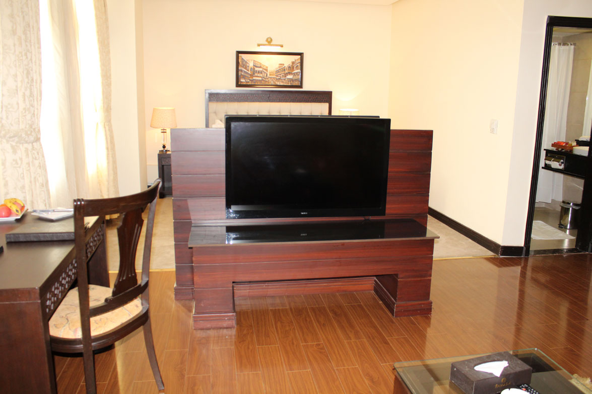 Deluxe-Suite-Accommodation-Islamabad-Business-Hotel-4