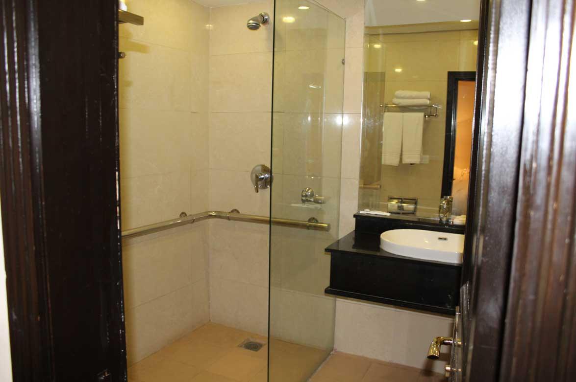 Disabled-friendly-hotel-Room-Ramada-Islamabad-3
