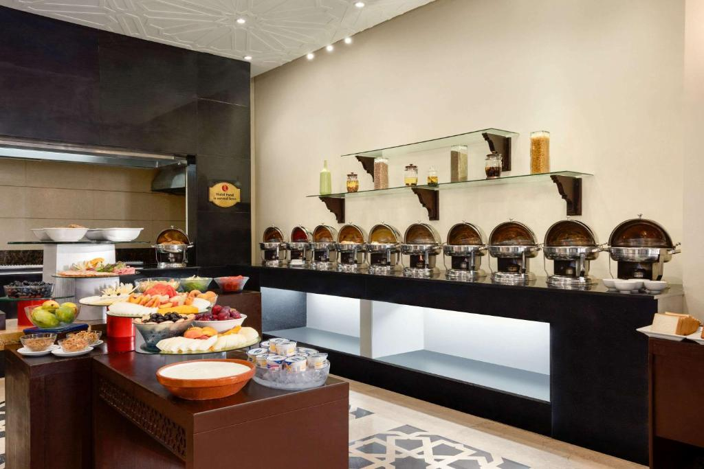 Maira-Multi-cuisine-restaurant-Islamabad-3