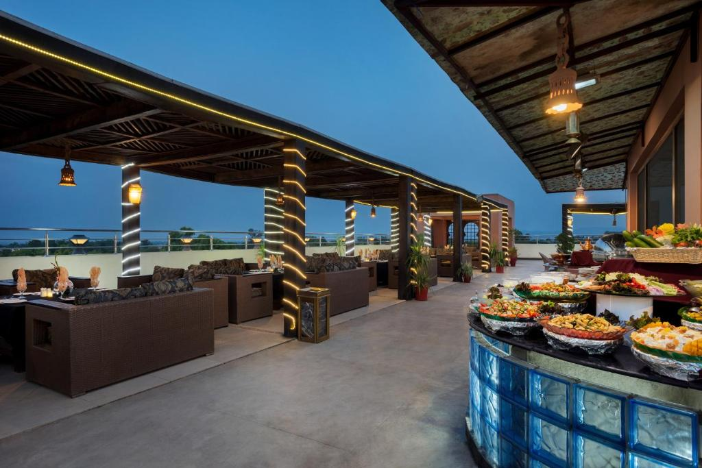 Rooftop-Barbeque-Ramada-islamabad-3